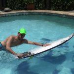 サーフィンのライディングは前足荷重と思っている方は…
